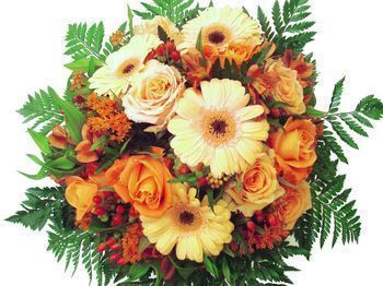 Bouquet rond orange avec roses